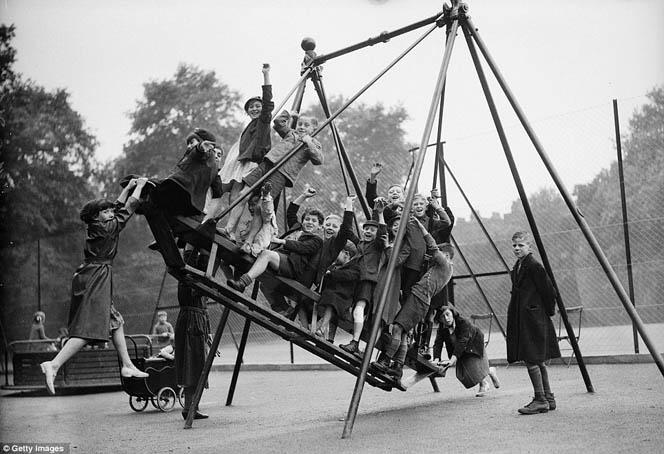 Люлка-гондола-от-30-те-години-в-Англия