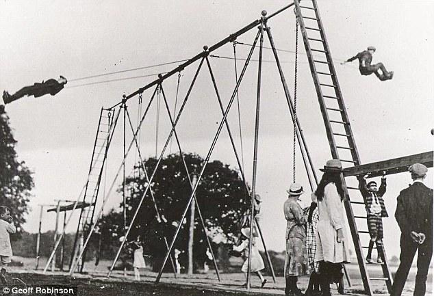 Люлка от 30-те години в Англия