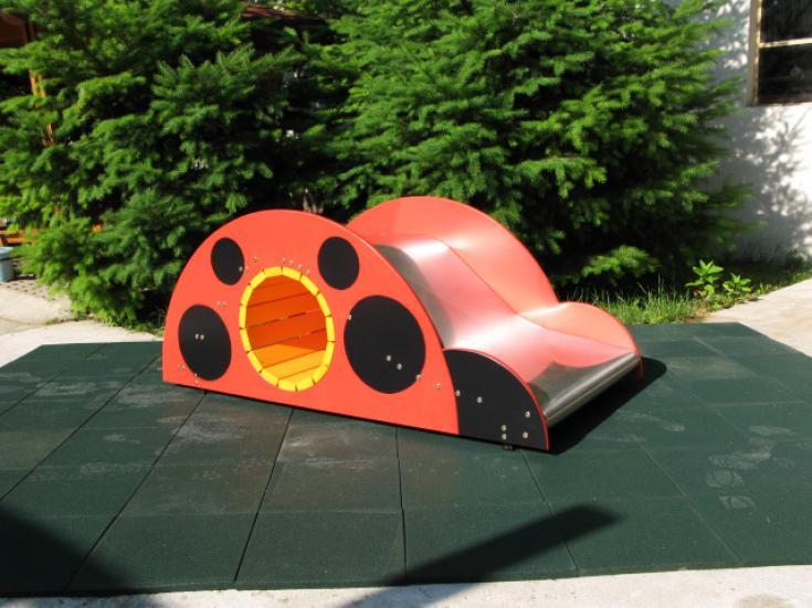 """Снимка на продукта: Широка детска пързалка с тунел """"Калинка"""", модел Т26"""